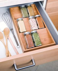 This Bamboo Spice Tray holds up to 12 spice bottles and can be stored in a drawer or on a countertop. Crafted of sustainable bamboo, this tray is a space-saving way to keep your spices organized at home. Kitchen Drawer Organization, Spice Organization, Diy Kitchen Storage, Kitchen Drawers, Spice Drawer Organizer, Kitchen Organizers, Spice Storage, Spice Racks, Kitchen Cleaning