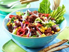 After-Work-Texmex-Salat mit Rinderhack Rezept   LECKER Minced Beef Recipes, Mince Recipes, Fresh Corn Salad, Corn Salads, Calories In Vegetables, Salad Recipes Healthy Lunch, How To Cook Beef, Tex Mex, Tortilla Chips