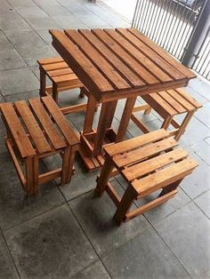 If you're looking for projects that you can start and finish in just a weekend's time, look no further than Outdoor Wood Projects. This collection of 25 Best DIY Outdoor Wood Projects Design Ideas can be c Pallet Furniture Designs, Wooden Pallet Furniture, Furniture Projects, Wood Pallets, Diy Furniture, Modern Furniture, Pallet Wood, Garden Furniture, Recycled Pallets