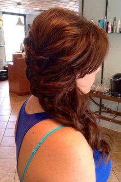 Swept movement to one side with curls. #updo #wedding