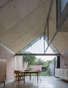 de achterbouw volledig herdenken kan natuurlijk ook, prachtig voorbeeld / GAFPA . house . Gent (1)