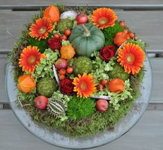 Very Pretty! Deco Floral, Arte Floral, Flower Vases, Flower Art, Seasonal Decor, Fall Decor, Garden Workshops, Fall Arrangements, Fall Projects
