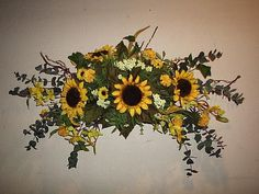 Want something like this with sunflowers and larkspur for my bathroom. Fall Swags, Fall Wreaths, Sunflower Arrangements, Floral Arrangements, Dried Flowers, Silk Flowers, Drying Roses, Outdoor Wreaths, Fabric Wreath