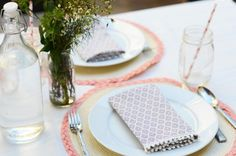 DIY Upcycled Pom Pom Napkins // Perfect for your next party!