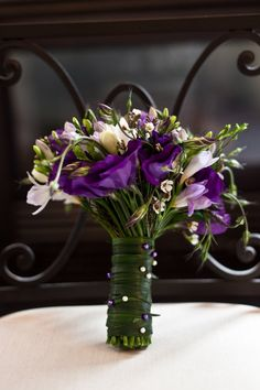 Bouquet wrap with lily grass