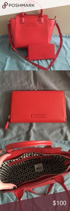🎉SALE🎉 Vera Bradley Purse and Wallet Burnt Orange Vera Bradley purse and matching wallet. New with tags!! Selling as a set. Vera Bradley Bags Shoulder Bags