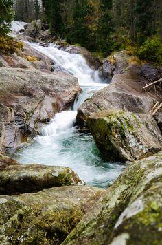Strait stream