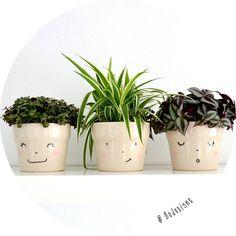 set van 3 handgeschilderde lachende bloempotten