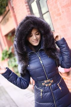 Puffer Coats, Down Suit, Hooded Cloak, Winter Suit, Hooded Winter Coat, Leather Jacket Outfits, Fox Fur Coat, Puffy Jacket, Winter Jackets Women