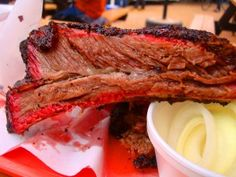 Chowpapi Texas Barbecue Photos: John Mueller Barbecue In Austin, Texas Puts Out A Beef Chuck Rib That Will Melt Your Mind Istanbul Restaurants, Austin Texas, I Foods, Barbecue, Main Dishes, Food Photography, Beef, Photos, Main Course Dishes