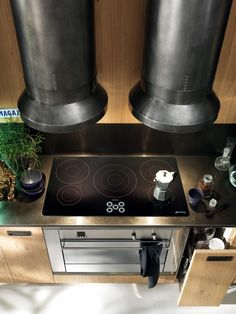 Diesel Social Kitchen design by Diesel. Performance and convenience: the hob on the steel worktop is induction type, while the fan oven has 10 cooking functions; both appliances are 90 cm wide. Kitchen Furniture, Kitchen Dining, Modern Kitchen Design, Modern Kitchens, Scavolini Kitchens, Exhaust Hood, Small Space Design, Industrial Chic, Houses