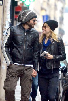 Bradley Cooper And Suki Waterhouse's Romantic Getaway In Paris Bradley Cooper Hair, Suki Waterhouse, Old Love, Romantic Getaway, Celebs, Celebrities, Celebrity Couples, Leather Jacket, Hollywood