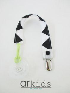 Fita para chupeta | preto & branco