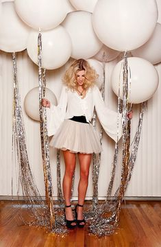 Glam up your New Year's Eve party balloons with some silver tassels. – Brit Morin Glam up your New Year's Eve party balloons with some silver tassels. Glam up your New Year's Eve party balloons with some silver tassels. Nye Party, Festa Party, Party Time, Party Fun, 30th Party, Casino Party, Gold Party, Casino Night, Halloween Party