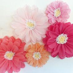 Flores de papel de tejido, Telón de fondo de boda primera fiesta de cumpleaños, pared de flores, decoraciones de la boda única, pared de flores de papel, idea de novia barato