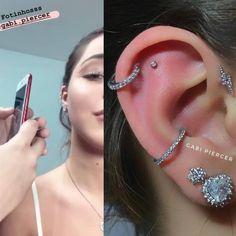 [Mha curtiu] Perfeito o trabalho da Gabriela Garcia.piercer na orelha da Mharess… [Mha curtiu] Perfect the work of Gabriela Garcia.piercer in the ear of Mraessa Lyns! If it was nice, it only got better. No doubt, Messa has … Ear Peircings, Cute Ear Piercings, Multiple Ear Piercings, Tongue Piercings, Cartilage Piercings, Body Piercings, Emerald Earrings, Bar Earrings, Cartilage Earrings