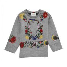 刺繍スウェット EMBROIDERED VISCOSE SWEATSHIRT GUCCI グッチ ❤ liked on Polyvore featuring tops, hoodies, sweatshirts, gucci, viscose tops, embroidered sweatshirts, embroidered top and rayon tops