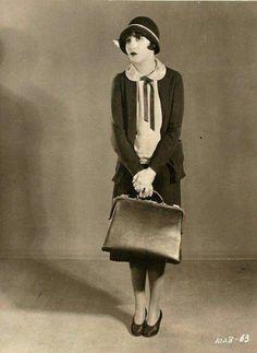 Bebe Daniels in Stranded in Paris 1926 20s Fashion, Art Deco Fashion, Fashion History, Vintage Fashion, 1920s Inspired Fashion, Fasion, Retro Mode, Mode Vintage, Vintage Ladies