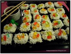 Sushi Cupcakes, Bee, Ethnic Recipes, Kitchen, Food, Honey Bees, Cooking, Kitchens, Essen
