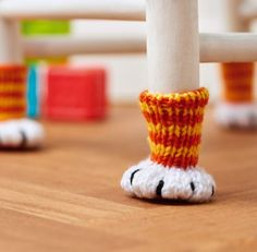 Free Knitting Pattern for Chair Paws - Chair socks to protect floors and furniture legs are inspired by our feline friends. Designed by Nicola Valiji. FIND A CROCHET PATTERN! Knitting Patterns Free, Free Knitting, Free Pattern, Crochet Patterns, Cat Pattern, Beginner Knitting, Loom Patterns, Knitting Projects, Crochet Projects