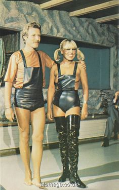 Atomage Pictures A5 Edition 32 Latex, Rain Wear, A5, Appreciation, Magazine, Womens Fashion, Pictures, How To Wear, Clothes
