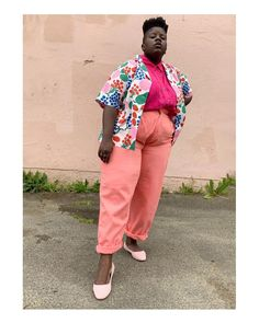 """LYDIA OKELLO   they/them on Instagram: """"Sweet pinks, light kicks 🌸 Strolling in @allbirds Tree Breezer in Anenome and reminding myself of the bright blooms of spring. This…"""" Fat Girl Fashion, Moda Plus Size, Professional Outfits, Summer Looks, Plus Size Fashion, Kicks, Spring Summer, Style Inspiration, Respect"""