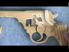 Structure of the rubber band gun - Magnum Type Rubber Band Gun, Military Guns, Homemade Toys, Wood Toys, Dremel, Windmill, Cool Gifts, Cool Things To Make, Firearms