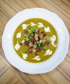 Brokolice není moc oblíbená zelenina, ale taková brokolicová polévka? Tak ta musí zaručeně chutnat všem! Vyberte si jeden z pěti receptů. Pudding, Fit, Desserts, Turmeric, Tailgate Desserts, Deserts, Shape, Custard Pudding, Puddings