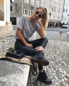 summer outfits women over 30 looks great. Outfits Hipster, Uni Outfits, Outfits Mujer, Classy Outfits, Trendy Outfits, Fall Outfits, Fashion Outfits, Fashion Tips, Moda Outfits