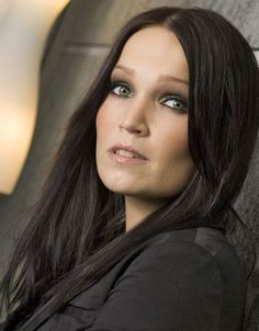 Tarja Turunen My powerfull Voice and beautifull singer girl in the world. I love she and her heart it's strong and she can sing all if she are ready to do a beautifull limelight.