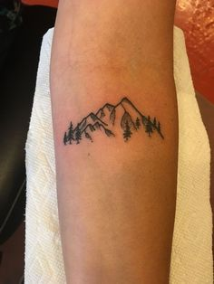 Small mountain tattoo – foot tattoos for women Mini Tattoos, Foot Tattoos, Cute Tattoos, Body Art Tattoos, Small Tattoos, Tattoos For Guys, Tattoos For Women, Tatoos, Rib Cage Tattoos