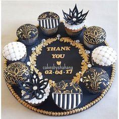 Pretty gold black cupcakes