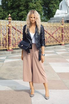 """we are here to talk about Culottes Outfit. So checkout Classy Culottes Outfit Ideas For Women"""" Mode Outfits, Chic Outfits, Fall Outfits, Fashion Outfits, Fashion Shoes, Fashion Ideas, Womens Fashion, Fall Dresses, Preppy Outfits"""
