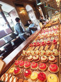 Paris cakeshop
