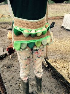 EGG-PRON: The Egg Gathering Apron   saxonknits