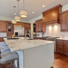 Cherry Cabinets Kitchen Design Ideas, Pictures, Remodel and Decor