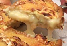 Tarte camembert, Aux oignons caramélisés et petits lardons grillés ! Simple et délicieux.