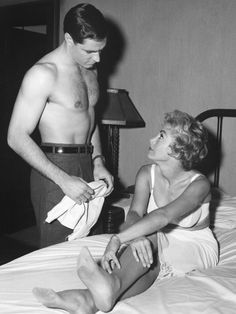 """""""John Gavin, Janet Leigh / production still from Alfred Hitchcock's Psycho """" Alfred Hitchcock, Classic Hollywood, Old Hollywood, Janet Leigh Psycho, John Gavin, Tony Curtis, Lee Curtis, Anthony Perkins, Movie Couples"""