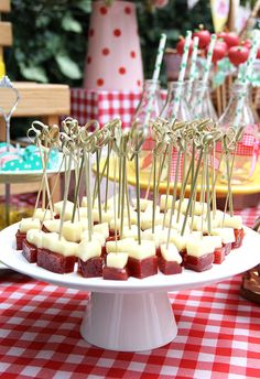 The Most Adorable Baby Shower Party Ideas To Inspire You - Baby Shower Ideas Shower Party, Baby Shower Parties, Comida Picnic, Havana Nights Party, Picnic Birthday, 80th Birthday, Happy Party, Holidays And Events, Kids Meals