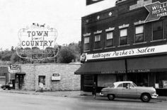 As seen in 1955, the Town and Country Restaurant and Kathryne Parker's Salon on North Market Street. (Screenshot: Deep Zoom Chattanooga)