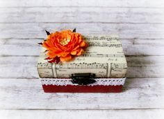 Items similar to Wedding - Paper - Decoupage - Handmade - Flower - Rings Box on Etsy Decoupage Box, Wedding Paper, Handmade Flowers, Quilling, Stud Earrings, Creative, Etsy, Jewelry, Boxes