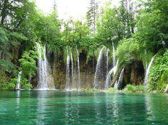 Unsere Reise-Expertin Marijana führt euch durch ihr Heimatland Kroatien und zeigt euch, warum es ein beliebter Urlaubsort ist. Viel Spaß beim Lesen!