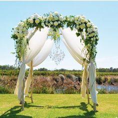 Wedding Wednesday #fly_bride #ocweddings #ocflorist #livelovelaugh #destinationweddings #destinationbride #archformybride