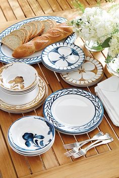 Bunny Williams outdoor tabletop collection
