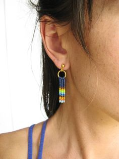 Modern, simple and original at once, these dainty macrame earrings in a bright striped combo of caramel brown, peach and yellows will brighten any outfit! Crafted .one knot at a time. by micro macrame technique using quality strings: no fading, no fraying. The Ypê earrings are: 1.5inch x