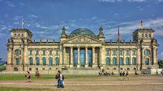 Poster & Download: Berlin Reichstag Government Glass Dome Gebäude Architektur Kategorien: landschaften, berlin, reichstag, government, glass, dome, building, architecture, germany