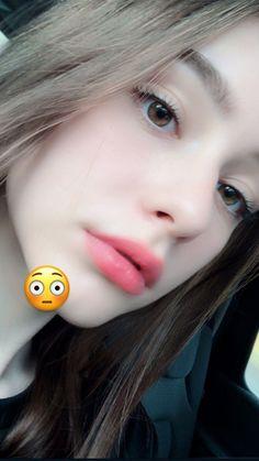 Pin on Makeup maquillage Beautiful Girl Makeup, Beautiful Girl Wallpaper, Cute Beauty, Beautiful Girl Image, Girl Photo Poses, Girl Photography Poses, Uzzlang Girl, Art Girl, Cool Girl Pictures