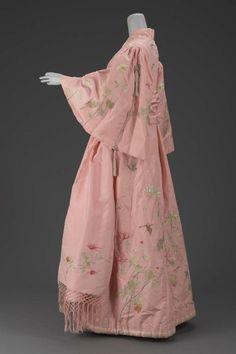 Lorea se aburre. Kimonos y otras cosas interesantes.: Japonismo y kimonos para la exportación.