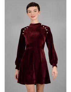 f0a17794b0 Robe en velours avec perles. Robe en velours avec perles - Molly Bracken E- Shop - Collection Printemps Été 2018