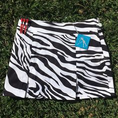Lynlan zebra print split golf skort